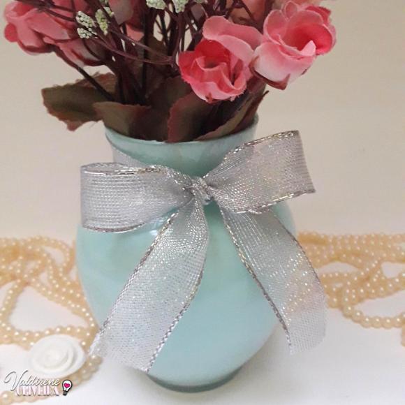 vaso de vidro pintado com tida de tecido