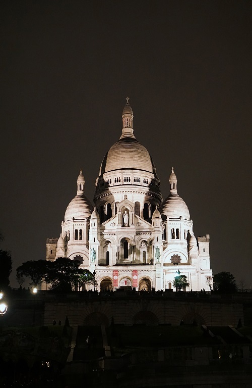 Sacré-Cœur Basilica at night
