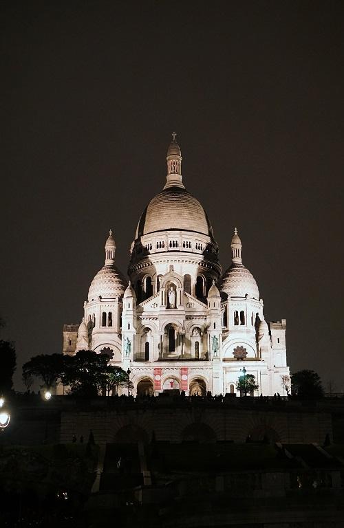 Sacré-Cœur Basilica at night