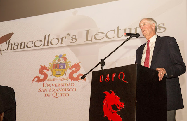 Hunter R., Rawlings, presidente emérito de Cornell University visitó la USFQ
