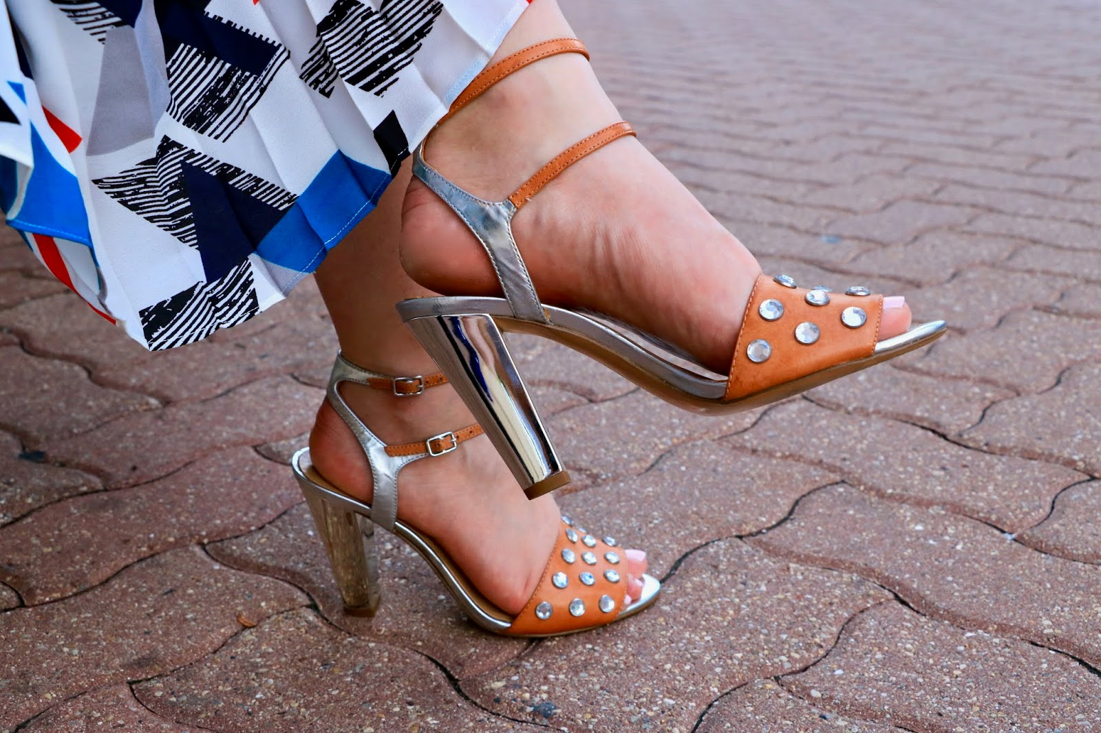 Nyc fashion blogger Kathleen Harper wearing bedazzled metallic and nude heels from Banana Republic.