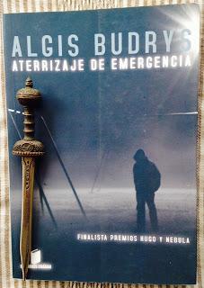 Portada del libro Aterrizaje de emergencia, de Algis Budrys