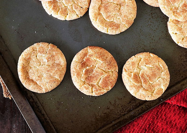 Different Cake Mix Snickerdoodles Crackle Patterns with Different Dough Resting Times Image