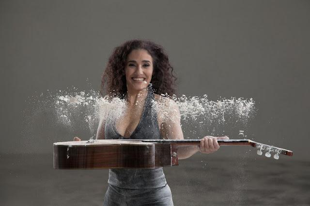 Março começa com show musical de Badi Assad e apresentações de poetas e repentistas no Sesc Registro-SP