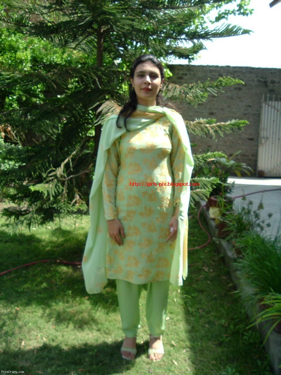 Desi Hot Girls In Shalwar Qameeez - Girlzz Pixx -Beautiful -9039