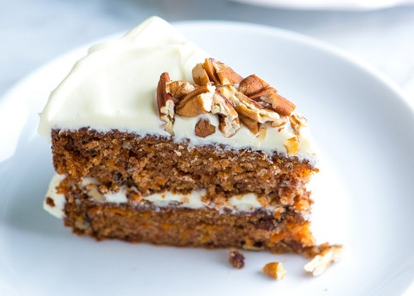 How to make carrot, walnut and cinnamon cake