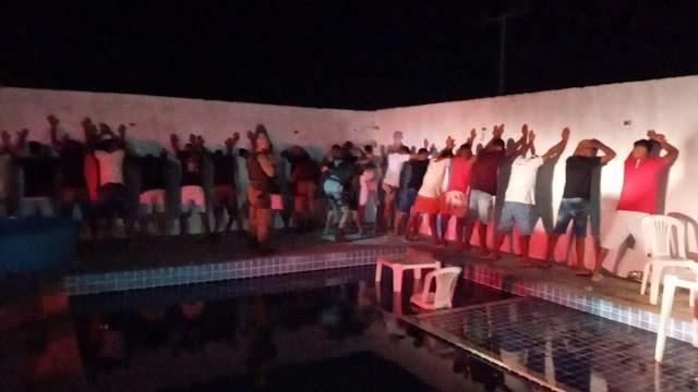 Jacobina: Polícia Militar encerra festa de paredão com 100 pessoas e apreende arma de fogo no Junco