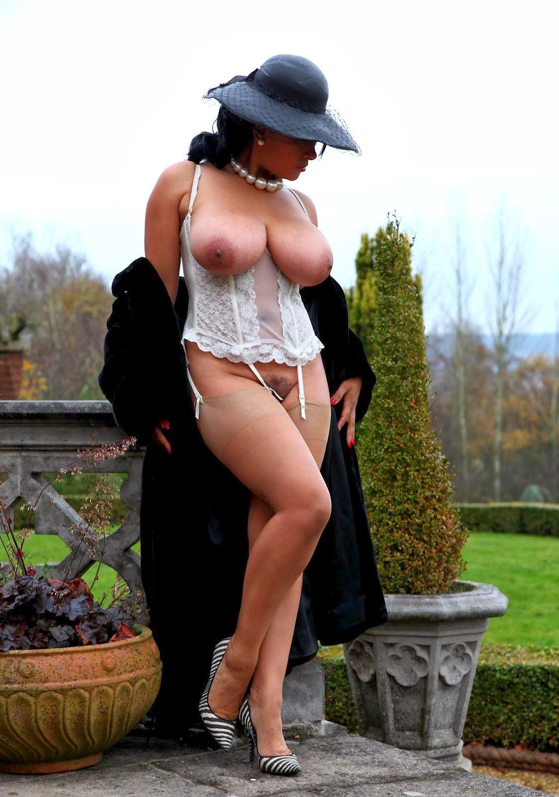 Naked Ladies Of