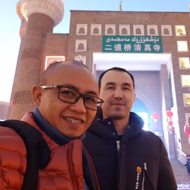 Muslim Indonesia Yang ke Xinjiang Atas B1AYA SEND1R1, Ungkap Kondisi Sebenarnya Muslim Uyghur Yang D1TUTUP1