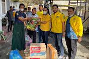 Peduli Korban Kebakaran, DPD II Partai Golkar Banda Aceh Serahkan Bantuan Masa Panik