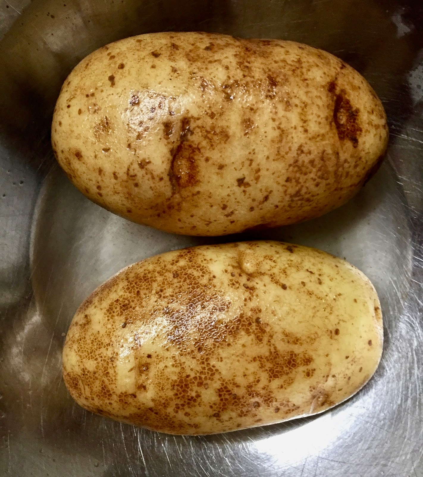 adjust oven rack to middle position and heat oven to 450 degrees dissolve 2 tablespoons salt in 12 cup water in large bowl place potatoes in bowl and - Americas Test Kitchen Baked Potato