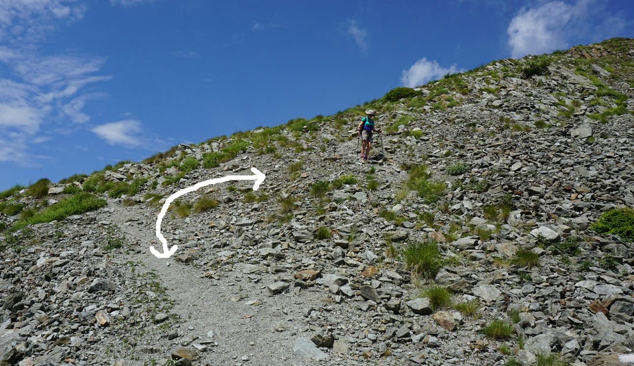 Descending from Cime de Piagu