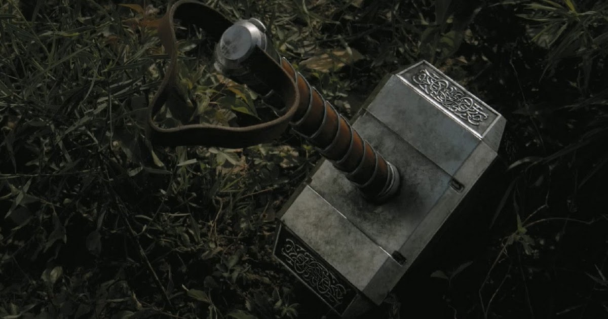why is thor 39 s hammer on the set of guardians of the galaxy