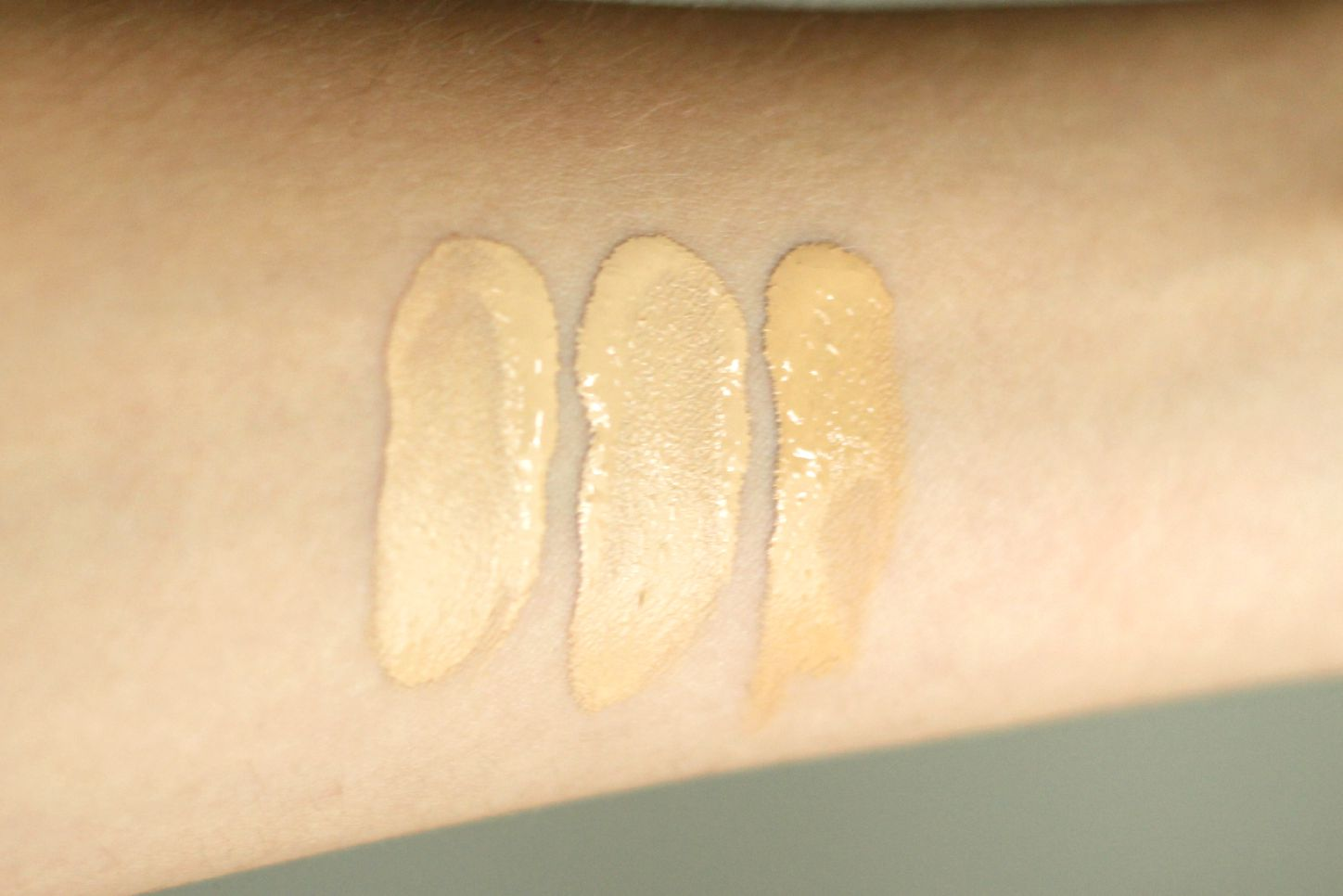 Make Up For Ever Ultra HD Invisible Cover Foundation Y225 Y235 Y245 Swatches