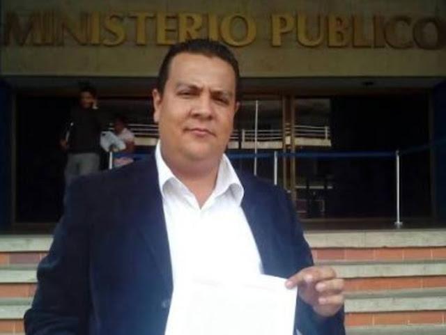 Denuncia que PNB robó al presidente del Colegio de Profesores