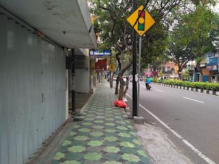trotoar jalan www.simplenews.me