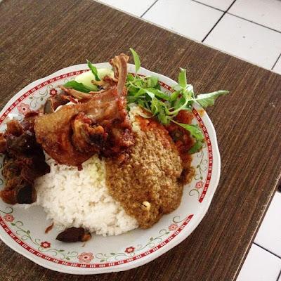 Kuliner Bebek Wachid Hasyim bisa dicoba kala malam hari