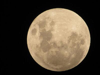 Bagaimana Nasib Bumi Bila Tidak Ada Bulan?