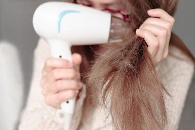 Bahaya Menggunakan Hairdrayer dan Catokan