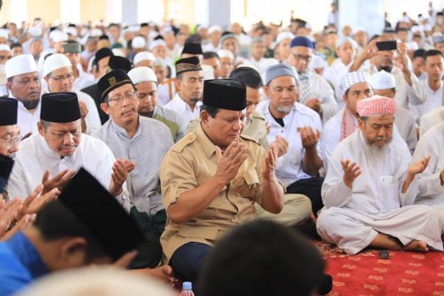 Setelah #prabowojumatandimana, Kini Prabowo Dilarang Jumatan, Maunya Apa Sih?