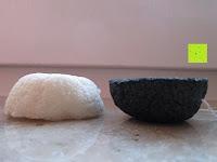 oben und unten: Konjac Gesichtsschwamm - 2 Schwämme pro Packung (kohlenschwarz & natürlich weiss) für empfindliche bis ölige & unreine Haut - sanftes Peeling, Reiniger und Exfoliator für das Gesicht - 100% natürlich von Beauty by Earth