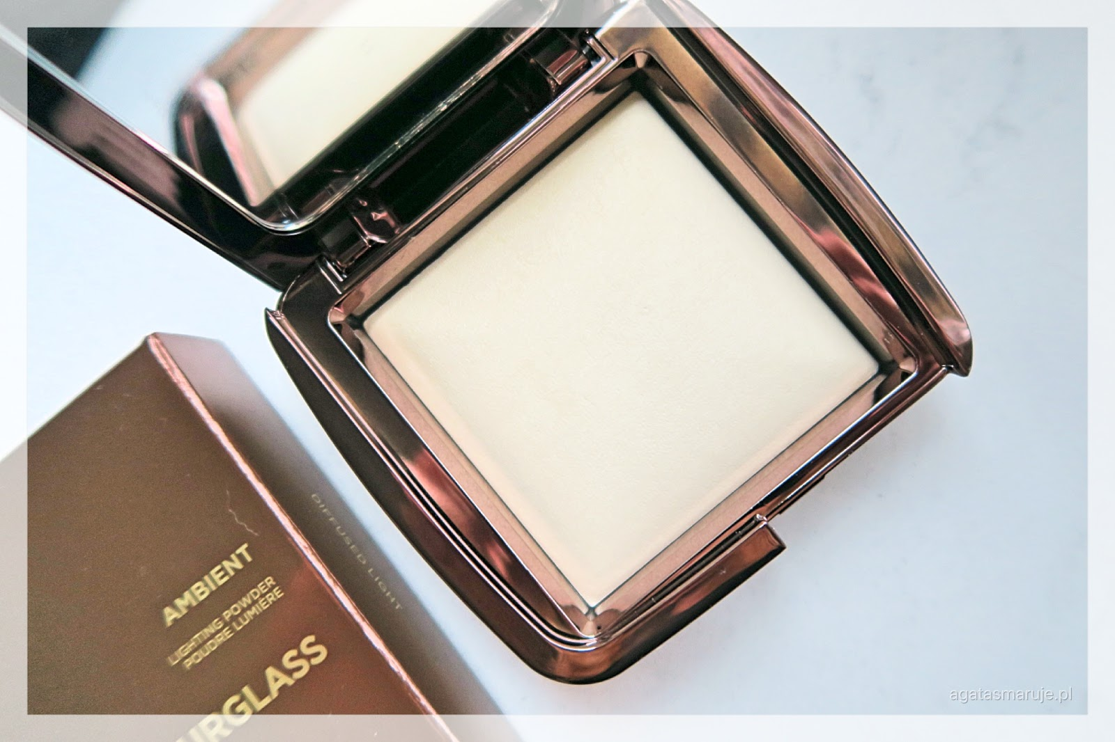 Hourglass puder Ambient