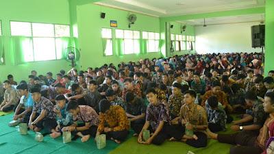 Kyai H.Habib Sholeh : Kunci sukses bagi para siswa adalah memiliki iman yang kuat