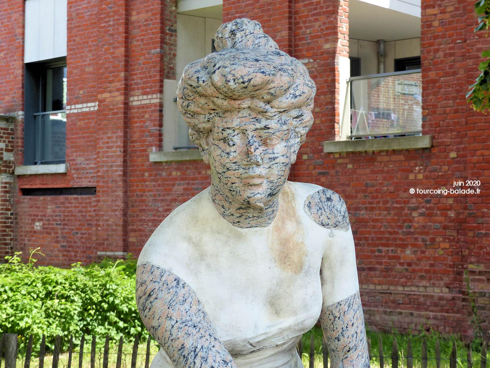 Statue La Penseuse, Tourcoing Belencontre 2020