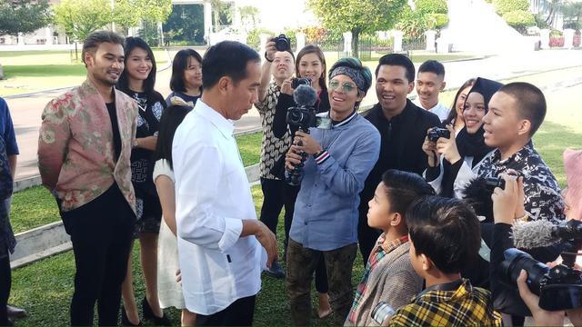 Miliaran Rupiah untuk Gandeng Influencer, ICW: Jokowi Tidak Percaya Diri