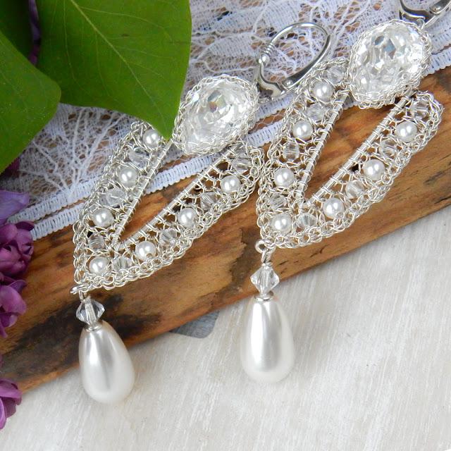 Koronkowa biżuteria ślubna