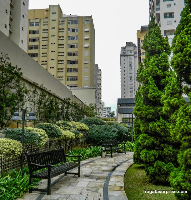Jardim do Hotel Mercure Pinheiros, São Paulo
