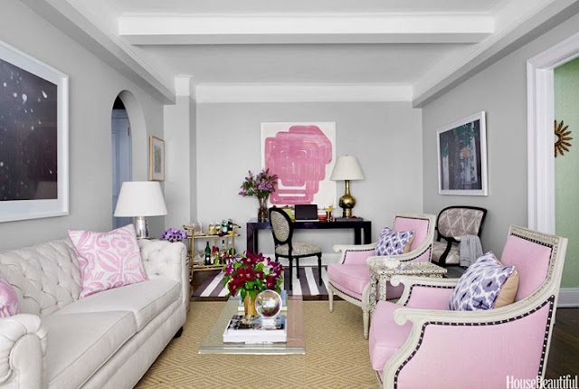Tips to Decorating Feminine Living Room on a Budget
