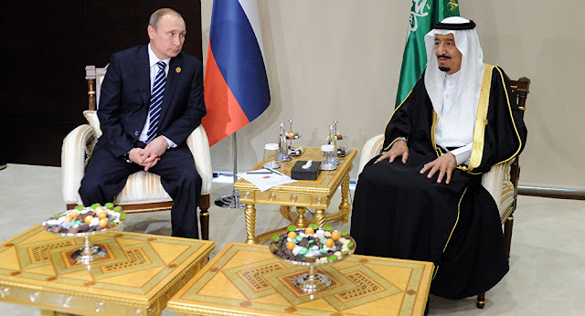 Saudi King Signs Deals with Russia