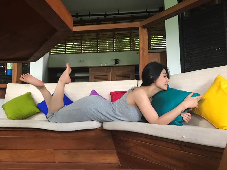 Thinzar Wint Kyaw Fun Pictures Lying On Sofa Snapshots