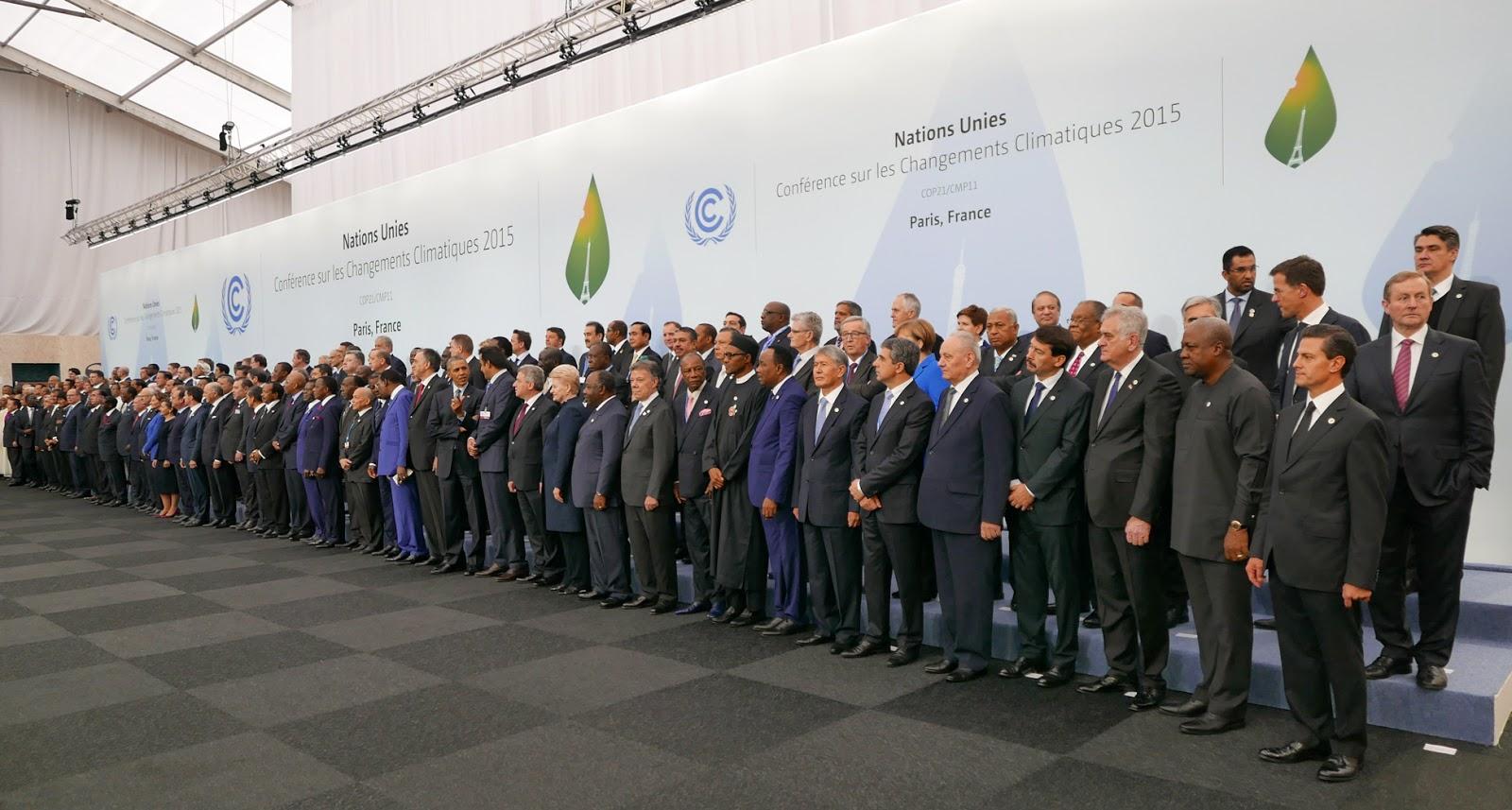 パリ協定が採択された2015年の第二十一回の気候変動枠組条約締約国会議の代表団