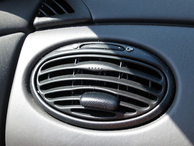 Vent in Car Dashboard - all grey.