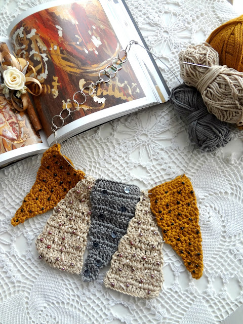 Crochet Necklace Idea – Bunting Necklace