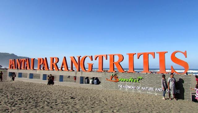 Wisata Pantai Parangtritis Yogyakarta
