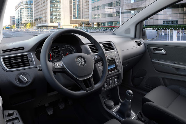 Volkswagen Fox 2017 - interior