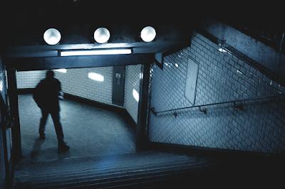 jezivi-filmovi-nocna-podzemna-mracni-gradski-prolazi-strasne-erotske-price