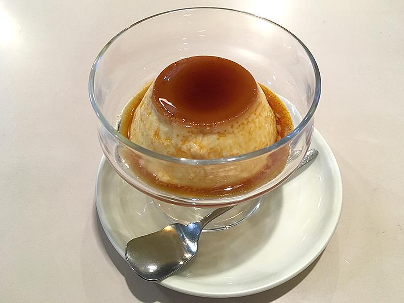 愛知県名古屋市地下鉄名鉄線黒川駅から西へ徒歩15分ほどにある『喫茶アミー』のお手製こだわりプリン