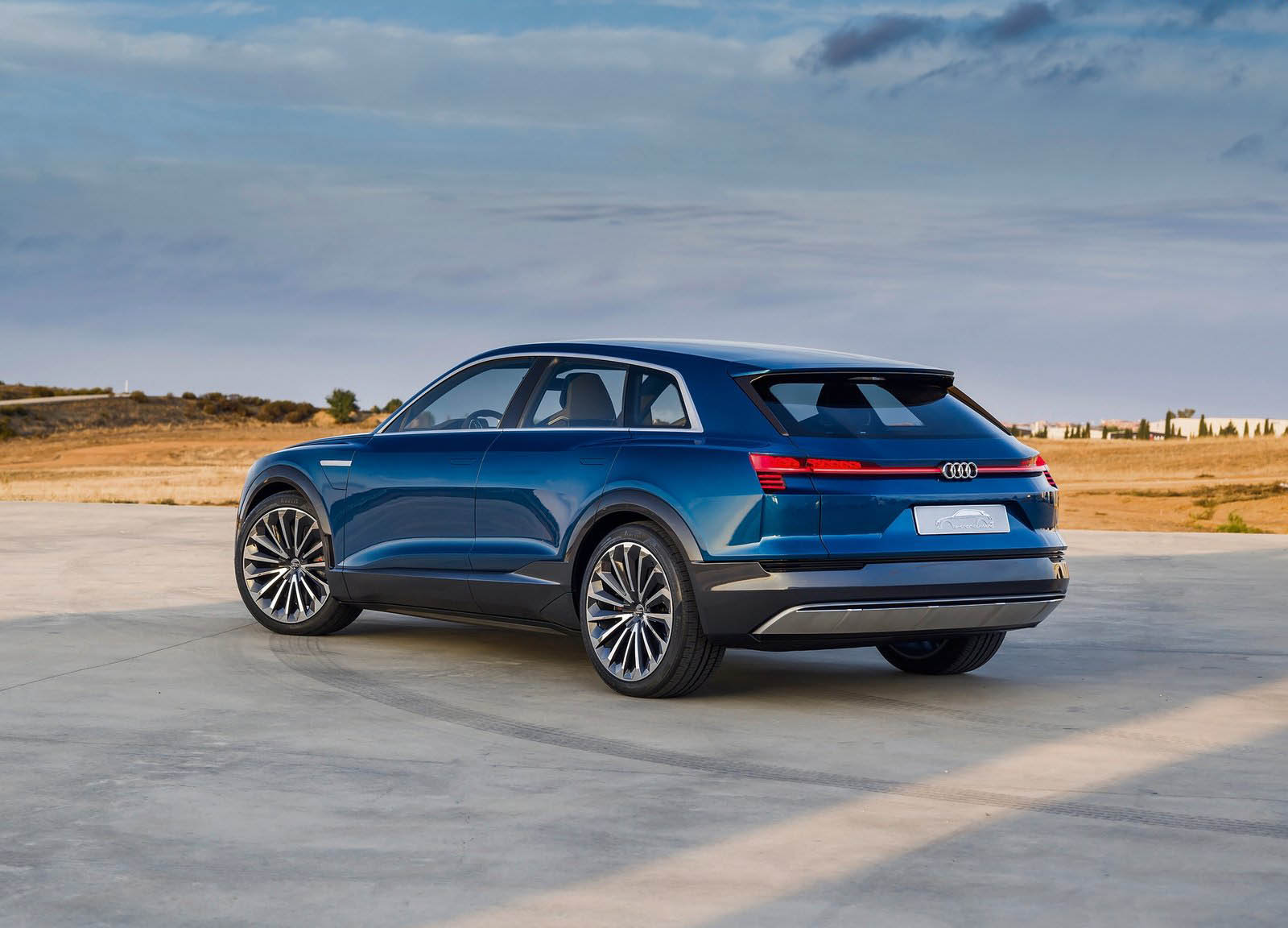 Audi Etron Quattro >> Audi S Road Going E Tron Quattro To Be Dynamic And Efficient Carscoops