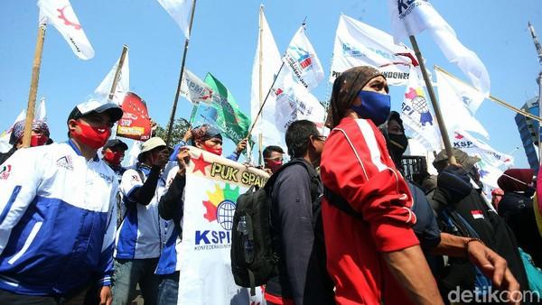 Sorotan Puan ke Demo Buruh di Depan Kantor Dewan