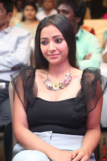 Swetha Basu in a Black Sleeveless Top Long Skirt at Mixture Potlam Movie Audio Launch 061.JPG