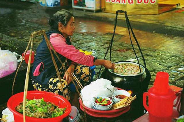 Ăn gì những ngày mưa? Những món ngon ngày mưa gây nghiện ở Hà Nội, Sài Gòn