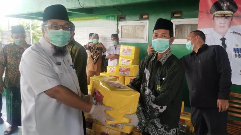 TEC Berikan Masker dan Hand Sanitizer Untuk Warga Nahdliyin