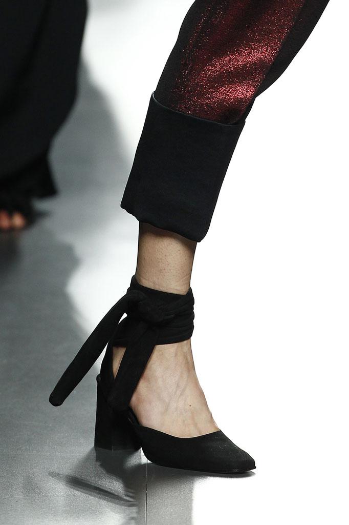 shoes Minimalistic Modern Classics