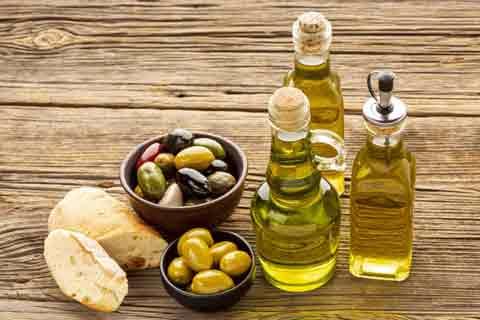cara menghitamkan rambut secara alami dengan minyak zaitun
