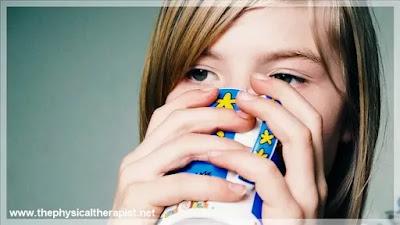 صعوبة بلع الريق وضيق التنفس : هذه أهم أعراض الخطورة و متى تسرع إلى الطبيب