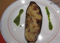 Berenjenas al horno rellenas de verduritas y toque de bechamel